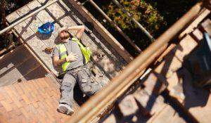 chutes de hauteur accident du travail campagne de prevention 300x175 - LES CHUTES DE HAUTEUR